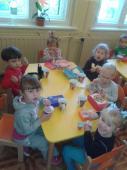 Grupa '3-latki' - i przerwa na śniadanko - zdj.4.jpeg