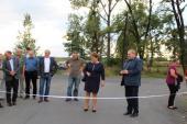 Galeria Uroczyste otwarcie przebudowanej drogi wiejskiej do osiedla mieszkaniowego w miejscowości Puszyna